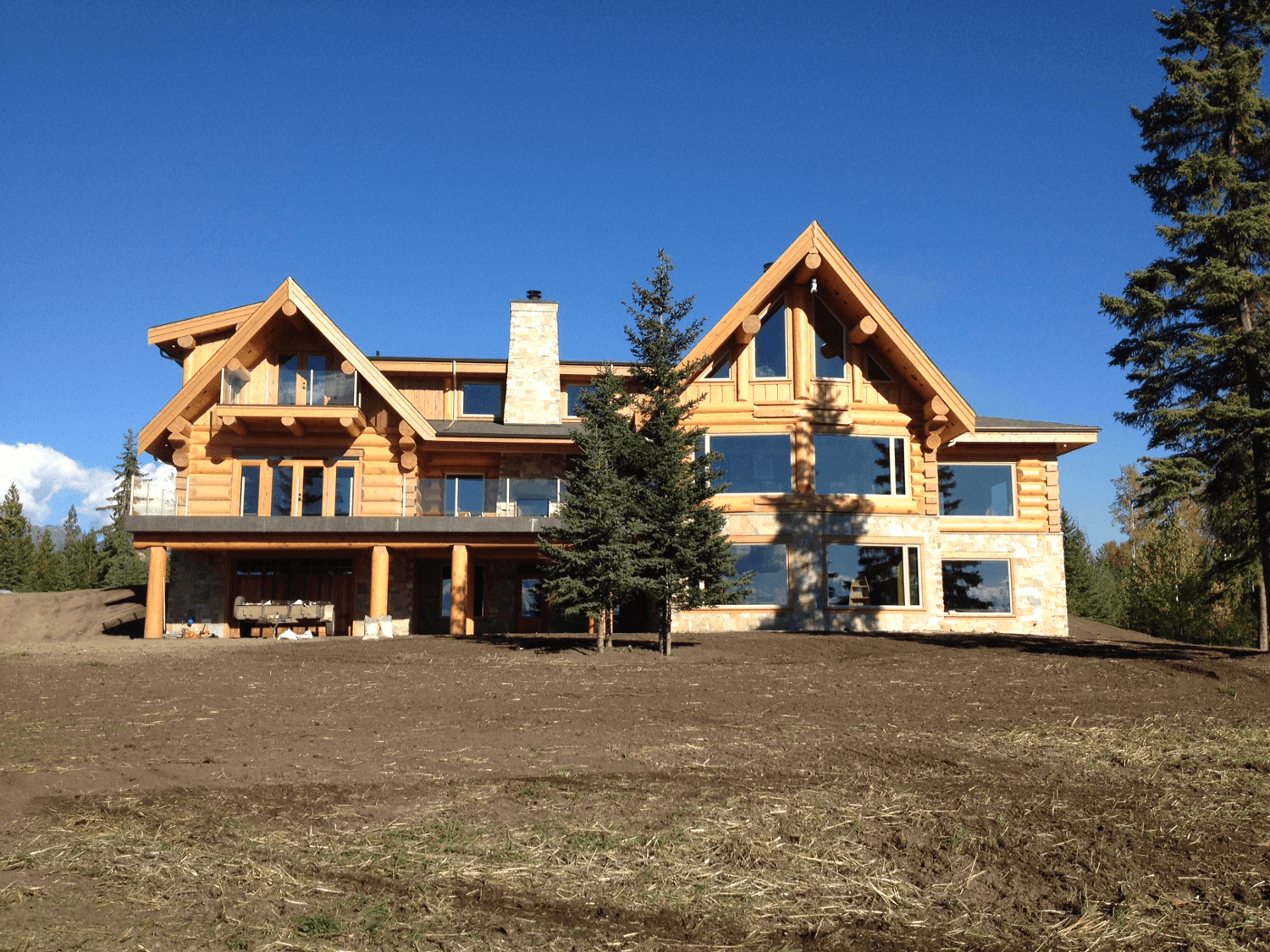 Log House with exterior Fire Place