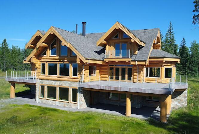 Custom Homes & Renovations