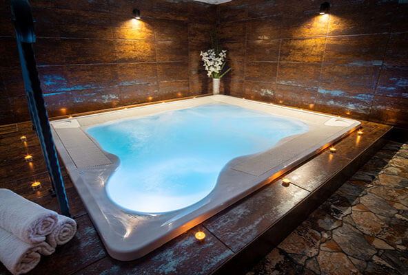 Pool & Hot Tub Lighting