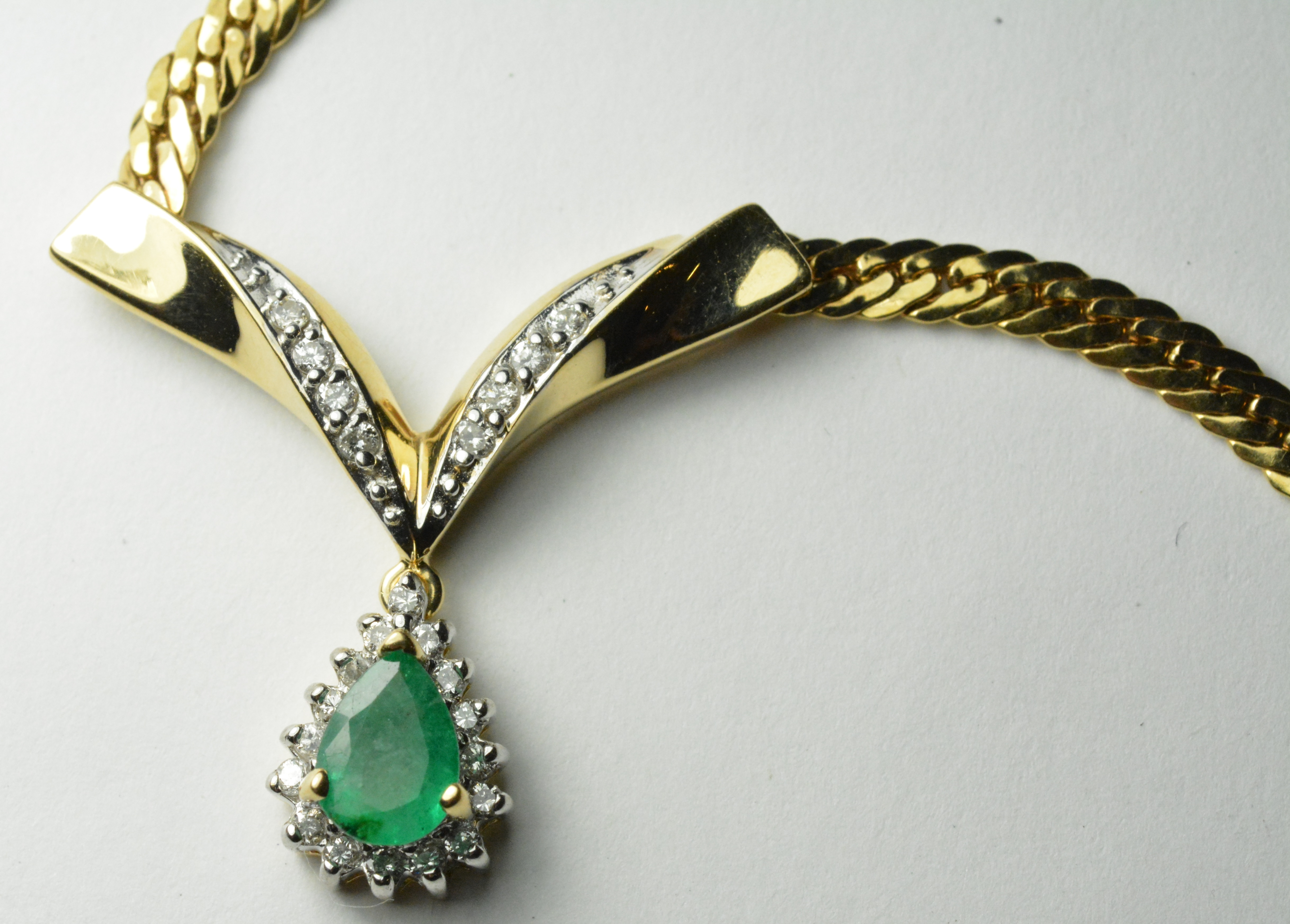 14k Yellow Gold Diamond Emerald Pear Shaped Necklace Set
