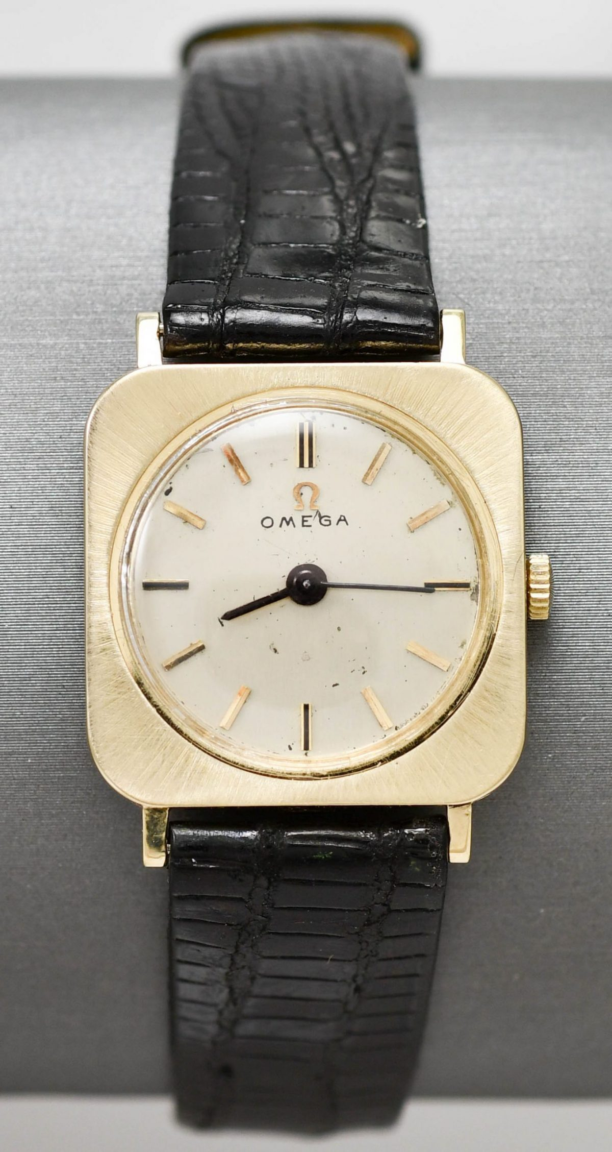 14k Yellow Gold Vintage Omega Wristwatch with Lizard Band