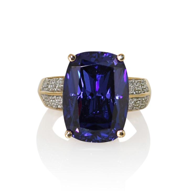 18K Yellow Gold Tanzanite Diamond Ring 17ct, .15TDW, 17g