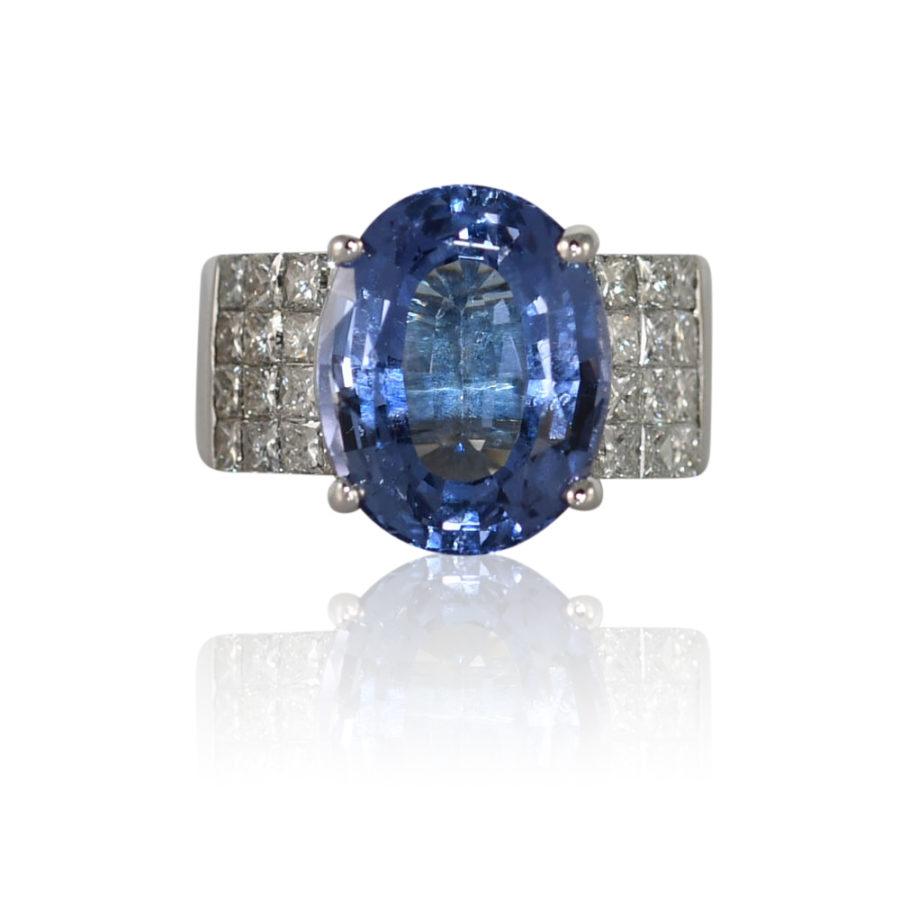 18K White Gold Tanzanite & Diamond Ring, 10.3g