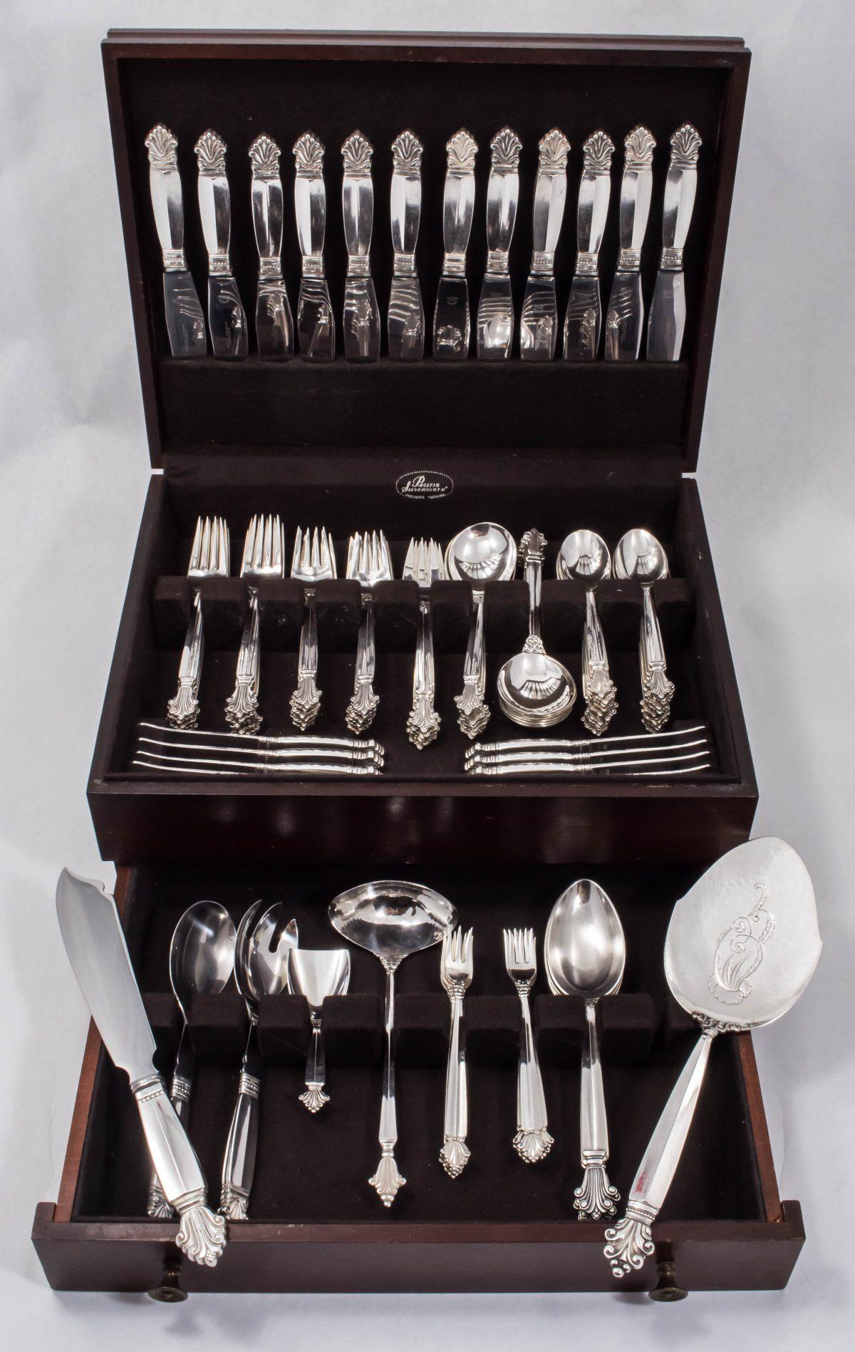 Acanthus by Georg Jensen (Denmark) Sterling Silver 92 piece Dinner Flatware Set – No Monogram