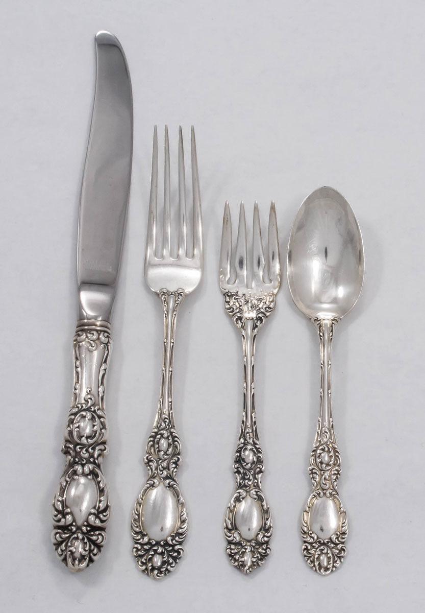 "No Monogram modern 9/"" Lucerne by Wallace Sterling Silver Regular Knives"