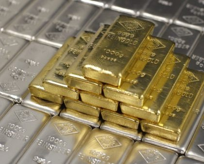 Gold Rises On Growing Political Uncertainty
