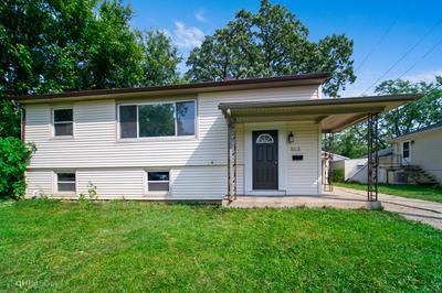 3123 WAKEFIELD DR, Carpentersville, IL 60110 - Photo 1