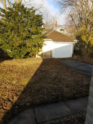 207 INDIAN TRL, LAKE IN THE HILLS, IL 60156 - Photo 2