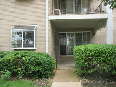 457 VALLEY DR APT 103, Naperville, IL 60563 - Photo 2