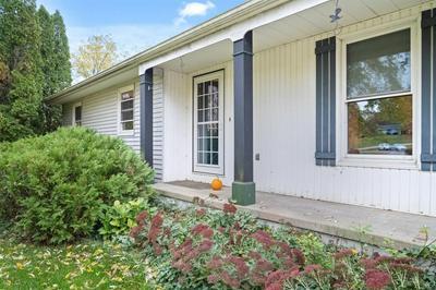 506 WOODLAND DR, Congerville, IL 61729 - Photo 2