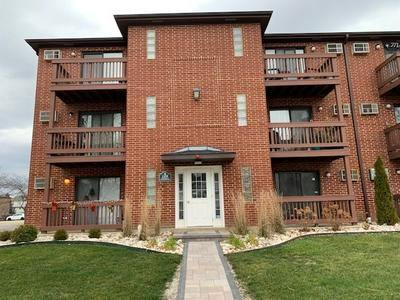 1130 EVERGREEN AVE APT 1B, Glendale Heights, IL 60139 - Photo 1