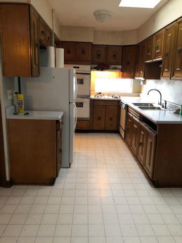 347 N KENNETH CT, GLENWOOD, IL 60425 - Photo 2
