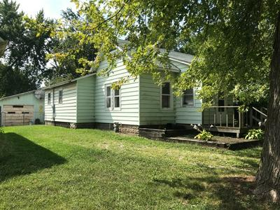 605 E LOCUST ST, FAIRBURY, IL 61739 - Photo 2