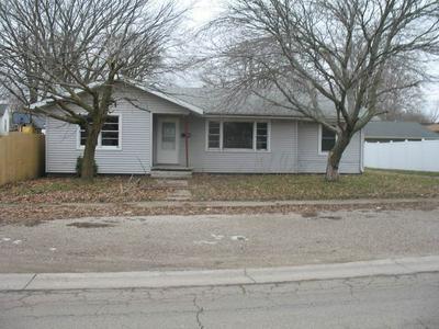 119 S ALEXANDER ST, CLINTON, IL 61727 - Photo 1