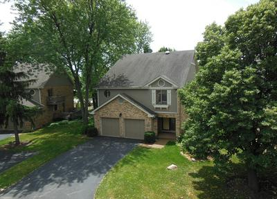 134 COUNTRY CLUB DR, Bloomingdale, IL 60108 - Photo 2