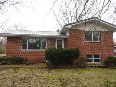 301 W MAIN ST, COLFAX, IL 61728 - Photo 1