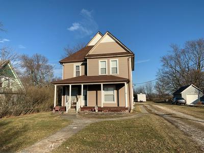 238 N MAIN ST, Roberts, IL 60962 - Photo 1