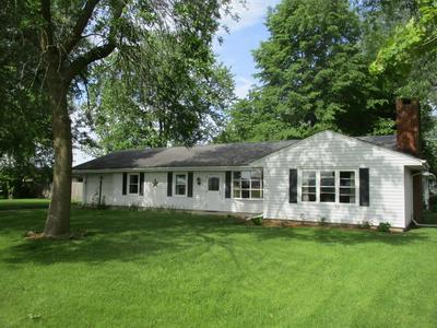 238 S DIAMOND ST, Arcola, IL 61910 - Photo 1