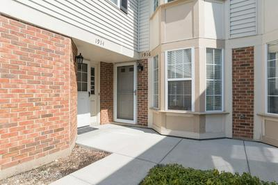 1916 QUAKER HOLLOW LN, STREAMWOOD, IL 60107 - Photo 2
