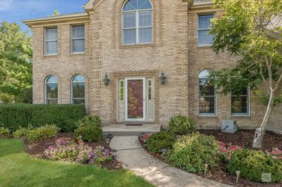 93 CROOKED CREEK DR, Yorkville, IL 60560 - Photo 2