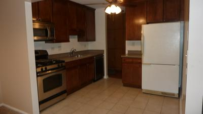 39 N MAIN ST APT 48, Glen Ellyn, IL 60137 - Photo 2