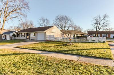 419 ROBINHOOD DR, Streamwood, IL 60107 - Photo 2