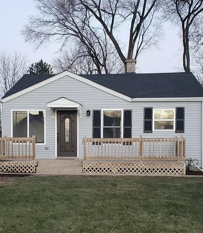 405 LINDLEY AVE, Westmont, IL 60559 - Photo 1