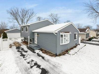 26W361 COOLEY AVE, Winfield, IL 60190 - Photo 1