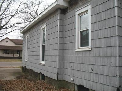 1205 E MAIN ST, CLINTON, IL 61727 - Photo 2