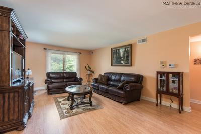 9510 S 86TH AVE APT 305, Hickory Hills, IL 60457 - Photo 2