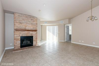 786 N GARY AVE UNIT 208, Carol Stream, IL 60188 - Photo 2