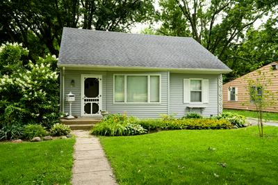 814 WILLIAMS ST, Henry, IL 61537 - Photo 1