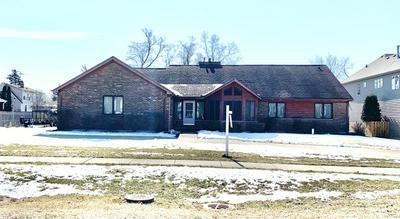 413 56TH ST, CLARENDON HILLS, IL 60514 - Photo 1
