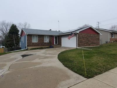 10607 MATHEW ST, HUNTLEY, IL 60142 - Photo 1