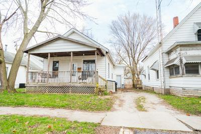 715 W WASHINGTON ST, BLOOMINGTON, IL 61701 - Photo 2
