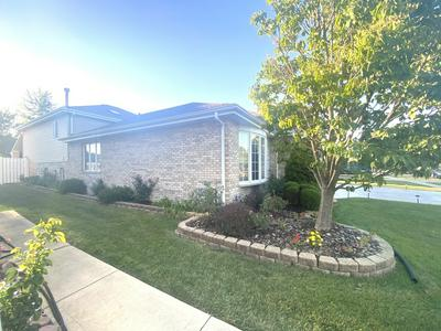 7712 LECLAIRE AVE, Burbank, IL 60459 - Photo 2
