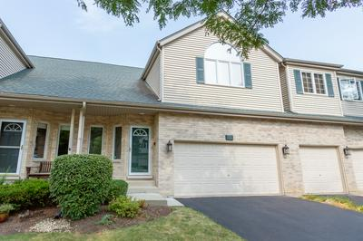 613 CHARLEMAGNE CIR, Roselle, IL 60172 - Photo 1