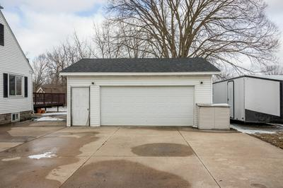 111 GOLFVIEW CT, SANDWICH, IL 60548 - Photo 2