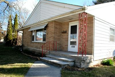 1091 N MAIN ST, ROCHELLE, IL 61068 - Photo 2