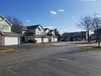 5418 TEABERRY CT, ROLLING MEADOWS, IL 60008 - Photo 2