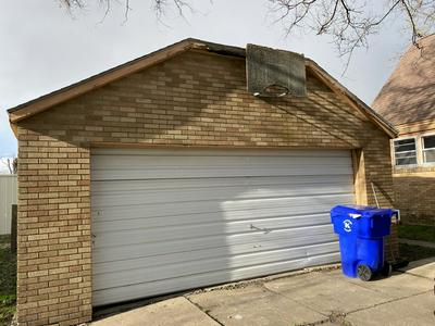 110 E 8TH ST, Kewanee, IL 61443 - Photo 2