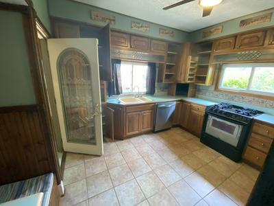 1025 MAIN ST, Antioch, IL 60002 - Photo 2