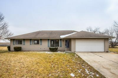 8 CIRCLE LN, Stanford, IL 61774 - Photo 1