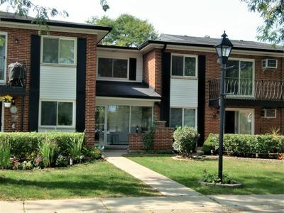 2435 E BRANDENBERRY CT APT 2L, Arlington Heights, IL 60004 - Photo 2