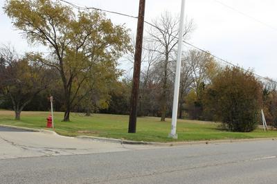 1 E IRVING PARK RD, Schaumburg, IL 60172 - Photo 1
