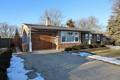660 WALNUT LN, Elk Grove Village, IL 60007 - Photo 2