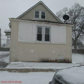 319 PULASKI RD, CALUMET CITY, IL 60409 - Photo 1