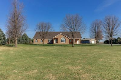33182 STRINGTOWN RD, Minier, IL 61759 - Photo 1