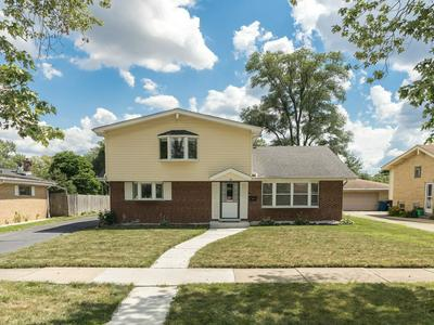 35 W JANICE LN, Addison, IL 60101 - Photo 1