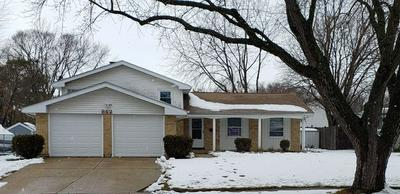 862 COVENTRY LN, Crystal Lake, IL 60014 - Photo 1